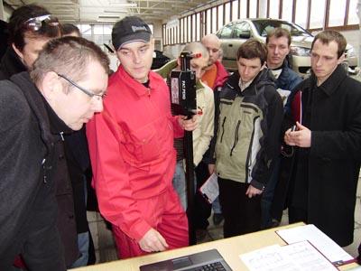 Prezentacja elektronicznego cyrkla pomiarowego EzCalipre