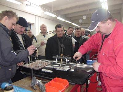 Naprawa wgnieceń w poszyciach aluminiowych